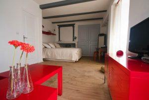 Suzanna - Chambre d'hôtes Aaisa au coeur de Besse en Auvergne