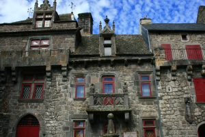 Découvrir Besse, village médiéval du Sancy