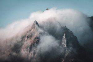 Puy de Sancy dans les nuages