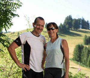 Pierre et Françoise, propriétaires de la maison d'hôtes Aaisa en Auvergne