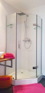 Cabine de douche chambre Suzanna